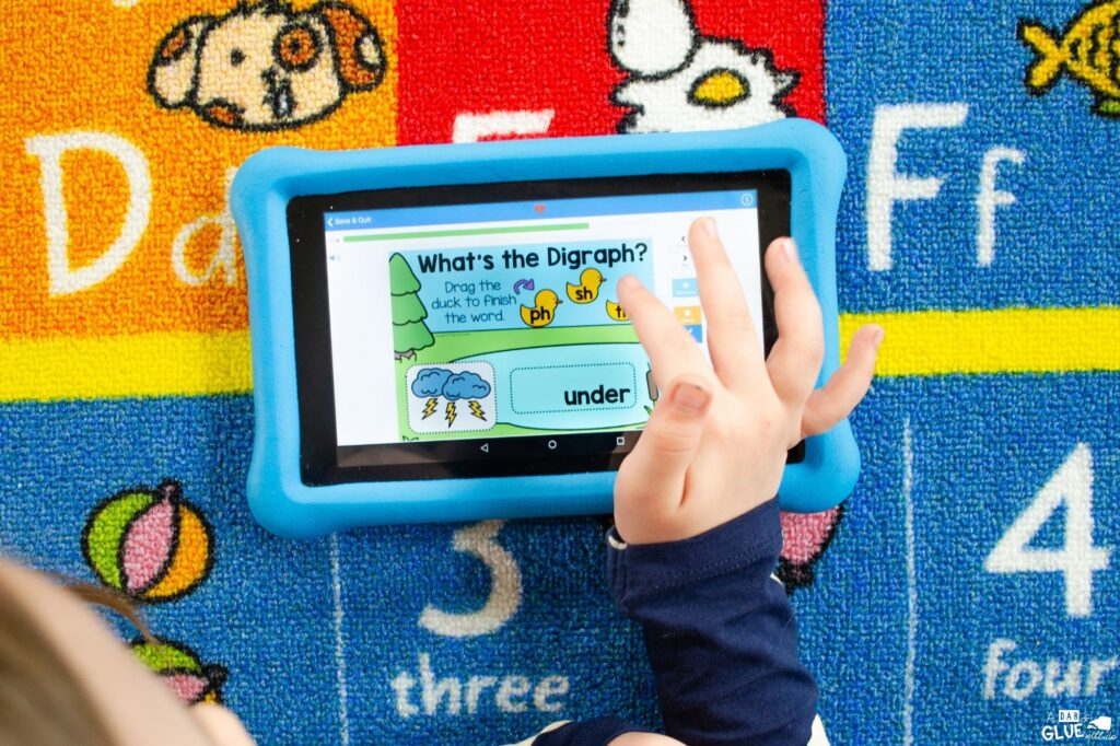 Building phonemic awareness with these Digital Digraph Word Building Activities. Students love learning with these digital games.