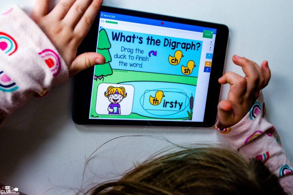 Spelling Thirsty with this Digraph word building activity